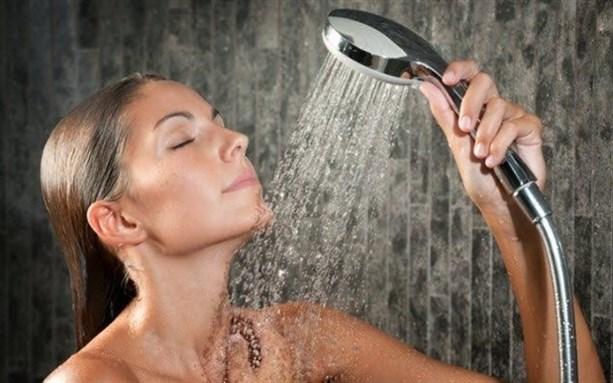 Ежедневный душ может быть вреден для вашего здоровья - это больше связано с запахом и ожиданиями