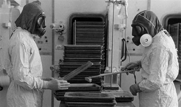 Военные случайно бросили бубонную чуму на рыболовный траулер и решили никому не рассказывать
