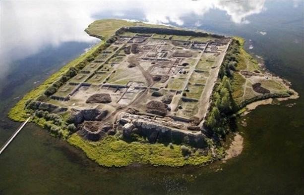 Остров руин