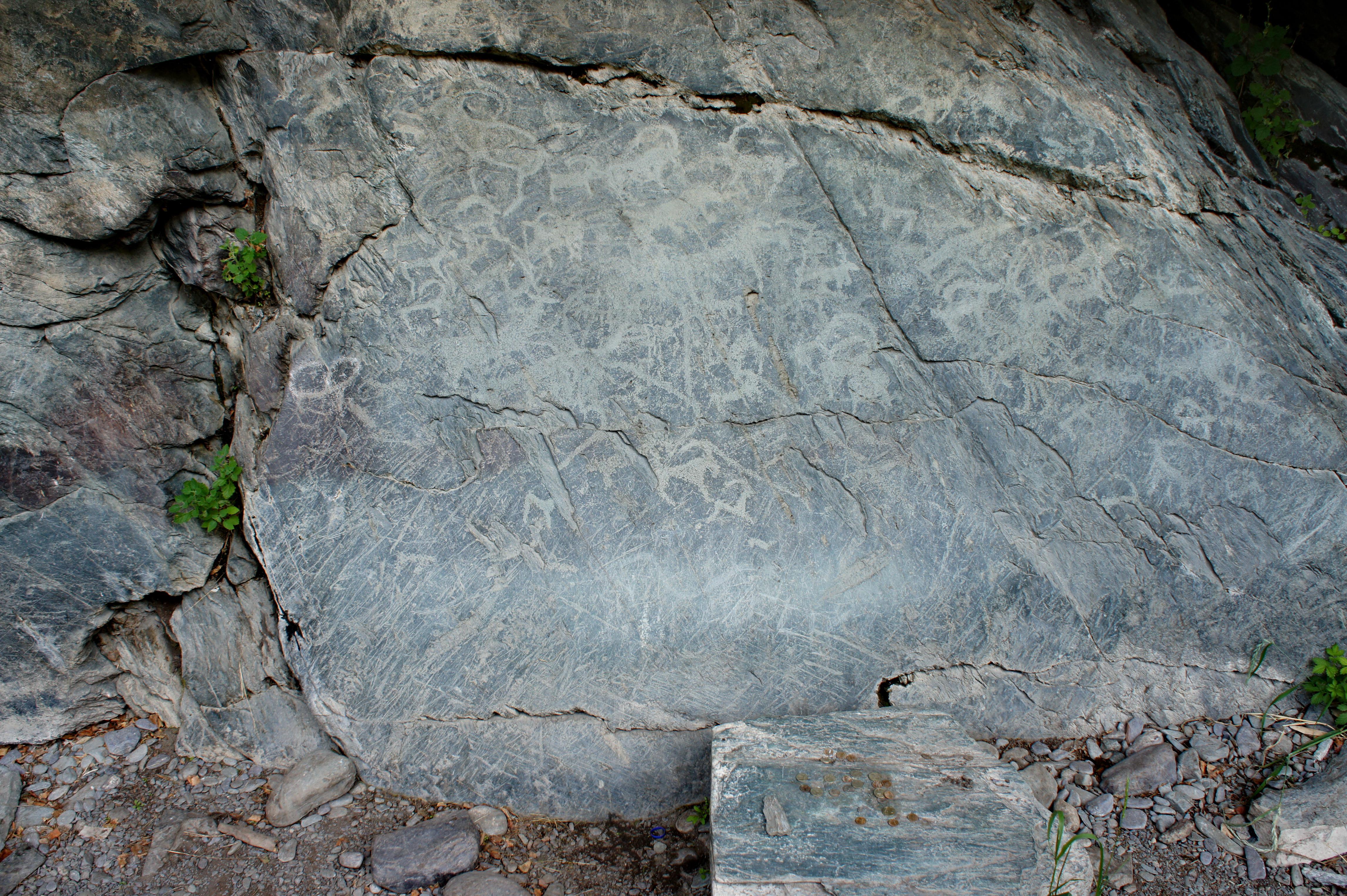 Древние наскальные рисунки, фото, Алтай