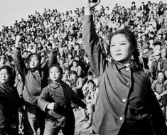 1-lots-of-chinese-women-1970s