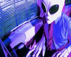 10-the-government-allows-aliens-to-abduct-people