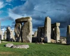 1a-stonehenge-597647718