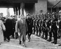 Edward-with-Nazis