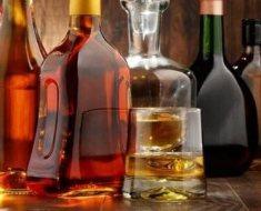 10b-alcoholic-beverages-618862242